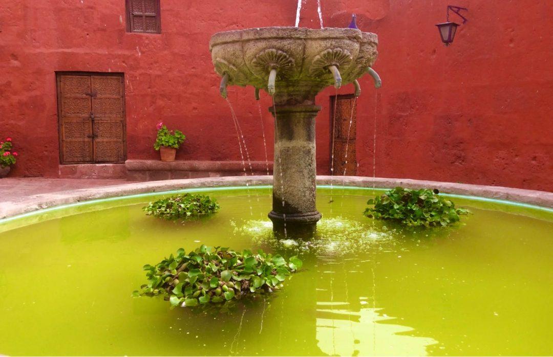 Fontaine Couvent Santa Catalina Arequipa Pérou